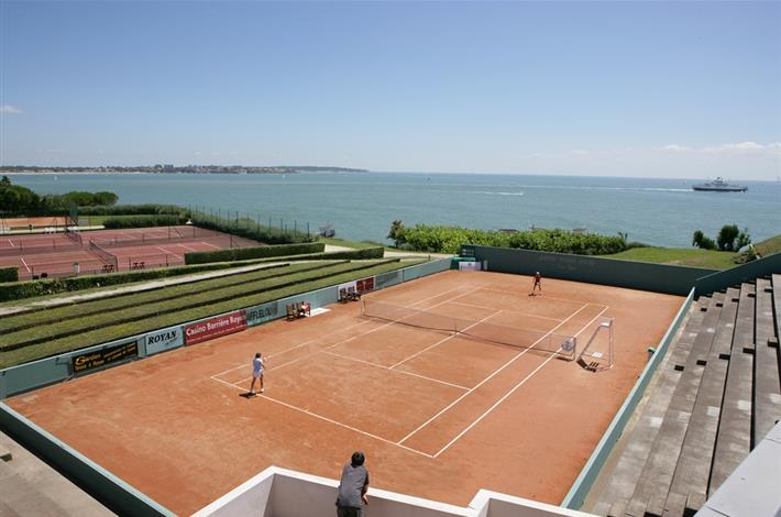 tennis club de royan tourisme royan s jour charente maritime 17 h tel royan pontaillac. Black Bedroom Furniture Sets. Home Design Ideas