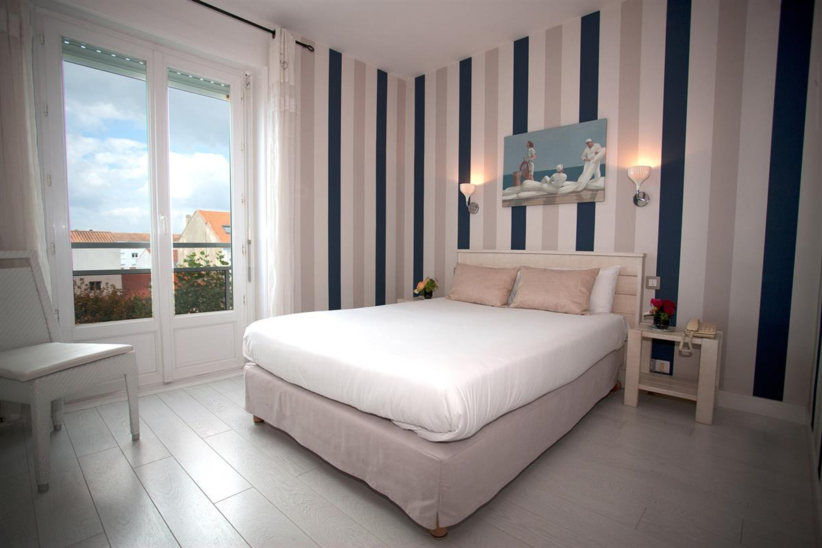 Chambre aper u mer h tel 3 toiles royan chambres vue for Chambres hote royan