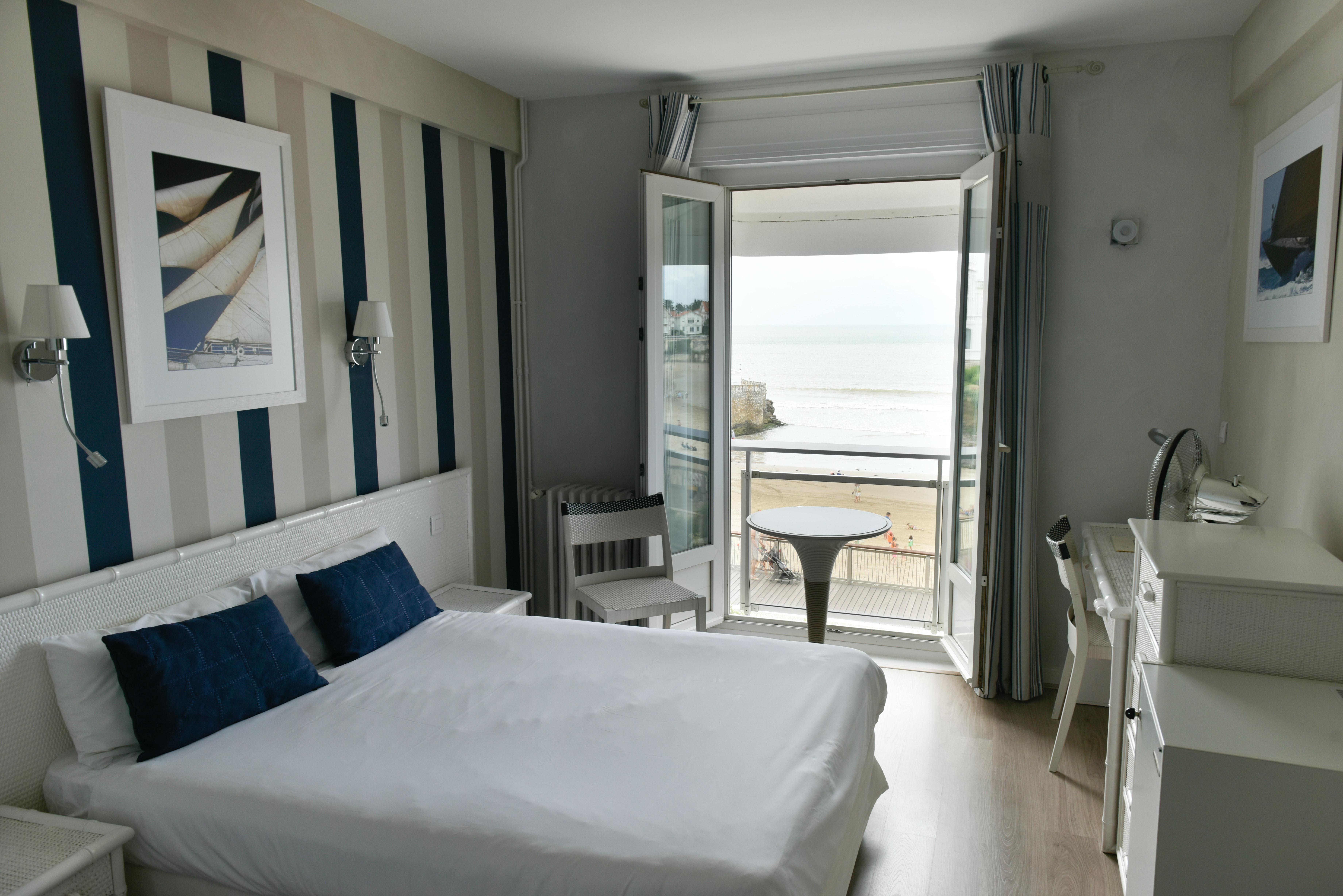 Reserver chambre hotel fabulous htel incroyables qui vous for Reserver une chambre hotel